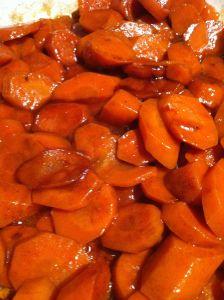 Honey Glazed Carrots with Cinnamon and Pecans #carrots #glutenfree #dairyfree