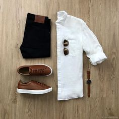 Men's jeans, white button down shirt brown sneakers. Mode Outfits, Casual Outfits, Men Casual, Casual Shoes, Casual Sneakers, Tan Shoes, Business Casual Men, Casual Chic, Dress Shoes