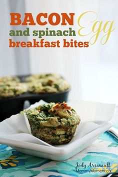 These Bacon, Egg and Spinach Breakfast bites are packed with protein and can be made ahead of time for a quick and healthy breakfast. Paleo and dairy free. Breakfast Casserole Easy, Bacon Breakfast, Breakfast Bites, Vegetarian Breakfast Recipes, Egg Recipes For Breakfast, Brunch Recipes, Brunch Ideas, Smoothie, Muffins