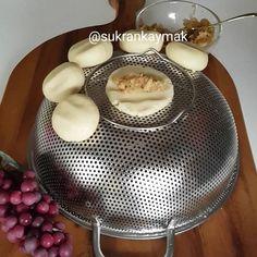 Elmalı kurabiye sevenler buradami 😍 Malzemeler 125 Gram margarin veya tereyağ (oda ısısında yumuşamış) 1 Çay bardağı sıvıyağ 1 Çay…