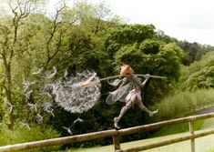 Fairy Sculpture By Robin Wight Robin Wight, Chicken Wire Sculpture, Wire Art Sculpture, Wire Sculptures, Abstract Sculpture, Fantasy Wire, Fairy Pictures, Fantasy Kunst, Fairy Art