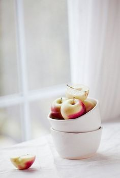 Apples by a window: poetry in the symbolism.