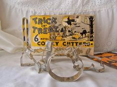 Vintage Cookie Cutter Set in Box by cynthiasattic on Etsy, $20.00