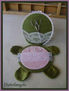 Turtle needlecase