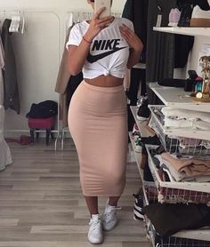 48 Stylish Types Of Pencil Skirts Plus Size Women's Leith High Side Slit Pencil Skirt Dope Outfits, Cute Casual Outfits, Chic Outfits, Spring Outfits, Dress Outfits, Fashion Outfits, Casual Pencil Skirt Outfits, Bodycon Skirt Outfit, Office Outfits