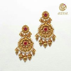 Stud Earrings, Chandeliers, and More! Choose from the extensive collection of earrings crafted to suit the wedding day. Antique Jewellery Designs, Gold Earrings Designs, Gold Jewellery Design, Gold Jewelry, Jewelery, Bridal Jewellery, Wedding Jewellery Inspiration, Wedding Day Jewelry, Indian Jewelry Earrings