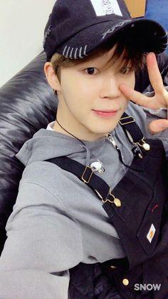 Read Jimin from the story BTS snap by (Celestialkookie) with reads. You Bering at one of their concerts and jimin wantin. Jimin Selca, Bts Bangtan Boy, Jimin Hair, Park Ji Min, Mochi, Seokjin, Hoseok, Namjoon, Foto Bts