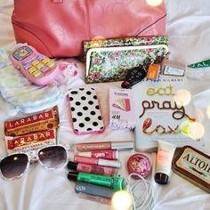 "@lindsayelisa's photo: ""What's in my bag. @glossybox_us #glossymagsummerbag"""