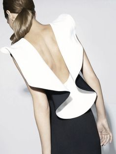 And this is probably the greatest back of a dress I have ever in my life seen!