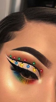 35 🎅 Christmas Makeup Ideas for You to Do This Season – Page 31 of 35 – newyearlights. com 35 🎅 Christmas Makeup Ideas for You to Do This Season – Page 31 of 35 – newyearlights. Edgy Makeup, Eye Makeup Art, Colorful Eye Makeup, Crazy Makeup, Skin Makeup, Movie Makeup, Daily Makeup, Halloween Eye Makeup, Maquillage Halloween