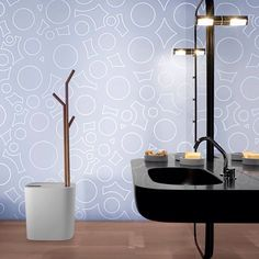 Il colore crea nuove forme: black dressed #design #bath #bathroom