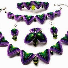 Набор: ожерелье, браслет, серьги, брошь и шпилька