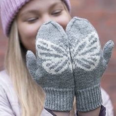 OHJE: Jääperhonen-lapaset Mittens Pattern, Fingerless Gloves, Knitting Patterns, Crochet, Crafts, Stitches, Google, Projects, Knit Patterns
