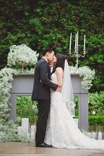 Very elegant ceremony decor | Photography: Closer to Love Photography
