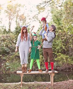 Peter Pan and the Lost Boys Family Halloween Costume DIY. I will have to add Tink but this is so cute for the twins. Lost Boys Costume, Diy Costumes For Boys, Scary Costumes, Toddler Costumes, Family Costumes, Boy Costumes, Costume Ideas, Group Costumes, Character Costumes