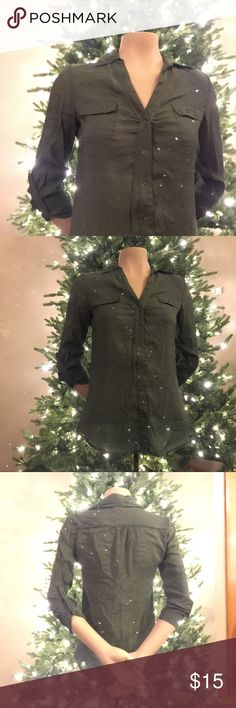 Army Green Button Down 😍 Very cute army green Charlotte Russe button down! 😍 very good condition! Buttons snap closed so there is much less of a hassle buttoning buttons.. 🙌🏼 Very flattering! Make me an offer! ♥️ Charlotte Russe Tops Button Down Shirts