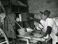 Mex John Making Pies, 1888 The cook was generally the last of the cowboys to go to bed, except for those on guard duty, of course. The last chore for the cook was to point the tongue of the chuck wagon toward the North Star so the trail boss knew his. Old West Photos, Cattle Drive, How To Make Pie, Chuck Wagon, Texas History, Cowboy And Cowgirl, Cowboy Art, Le Far West, Mountain Man