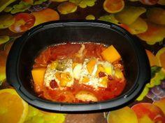 Ingrédients : (pour deux personnes) 2 tranches cabillaud (surgelés) 2 oignons (1 pour l'ultra et 1 pour le riz pilaf) quelques légumes du congélateur (morceaux de potiron, de poivron, tomates cerises) sauce tomate eau, sel et poivre riz Mettre tout simplement...