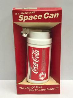 Coca Cola Gifts, Coca Cola Party, Coca Cola Decor, Coca Cola Cake, Coke Drink, Coca Cola Drink, Pepsi Cola, Coca Cola History, World Of Coca Cola
