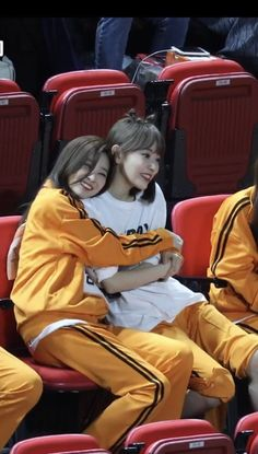 Kpop Girl Groups, Kpop Girls, Sakura Miyawaki, Japanese Girl Group, Kim Min, First Baby, Fandom, Korean Outfits, Mamamoo