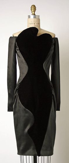 wow. Cocktail Dress  House of Givenchy  (French, founded 1952) #vintage #fashion #givenchy