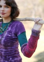 Free pattern from Berroco, thanks!  They're arm warmers, close enough.
