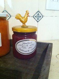 Marmeladegläser mit kleinen Plastiktieren verschönern !