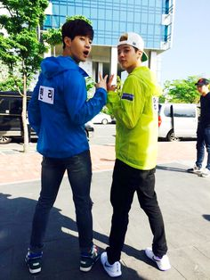 """Henry and Amber show off their PERFECT chemistry on the set of """"Running Man"""""""