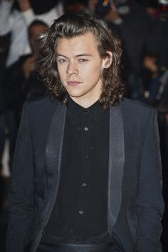 Harry Styles 'fighting to keep One Direction together' after Zayn Malik's departure?  - Sugarscape.com