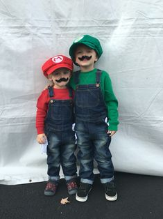 Children's costumes. Mario and Luigi. Halloween. do it yourself. DIY costumes