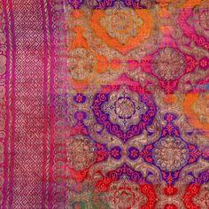 Inspiração de Estampa Étnica em Cores Pop Neon! - Vintage Sari from Opium in London