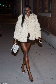 Braless Elsa Hosk joins Taylor Hill and Romee Strijd for Victoria's Secret viewing party Beautiful Dark Skinned Women, Beautiful Black Women, Black Girl Magic, Black Girls, Bougie Black Girl, Dark Skin Beauty, Face Beauty, Dark Skin Girls, Victoria Secret Fashion Show