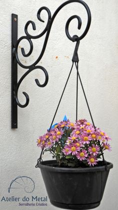 All Details You Need to Know About Home Decoration - Modern House Plants Decor, Plant Decor, Iron Furniture, Garden Furniture, Wrought Iron Decor, Hanging Flower Pots, Metal Art Projects, French Rococo, Grill Design