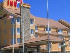 Barrie (ON) Monte Carlo Inn Barrie Canada, North America Monte Carlo Inn Barrie is a popular choice amongst travelers in Barrie (ON), whether exploring or just passing through. Featuring a complete list of amenities, guests will find their stay at the property a comfortable one. Take advantage of the hotel's free Wi-Fi in all rooms, 24-hour front desk, facilities for disabled guests, luggage storage, room service. Each guestroom is elegantly furnished and equipped with handy a...