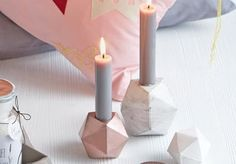 I don't like the tall candles. Just an idea for a different shapes concrete. And painted copper too is cute Concrete Crafts, Concrete Projects, Diy Candle Holders, Diy Candles, Hobbies And Crafts, Diy And Crafts, Cement Design, Mother's Day Diy, Mothers Day Crafts