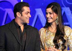 Dabangg of Bollywood Salman Khan will soon launch a new song of his upcoming movie 'Prem Ratan Dhan Payo in Delhi. The title of the song is 'Aaj Unse Hai'.Salman will launch this song with his co-actress Sonam Kapoor.