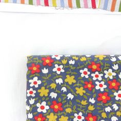 Cheerful Floral Retro Fabric