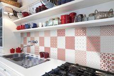 15 Fresh Backsplash Ideas to Take Your Kitchen to the Next Level: Bold Patterns…