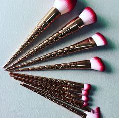 They look just magical. The stuff of dreams. The makeup brushes that every Disney princess would use if they didn't already have their makeup painted permanently on to their faces.  And now a new collection of unicorn brushes are to be released – and this time they're coming to us in rose gold.