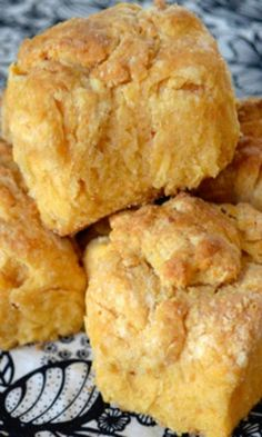 Sweet Potato biscuits cup flour 2 tbsp brown sugar(MAPLE SYRUP) tsp baking powder ½ tsp salt ½ tsp baking soda 6 tbsp chilled butter, cut into pieces(OLIVE OIL) ¾ cup sweet potato puree ⅓ cup buttermilk(SUBSTITUTE) Sweet Potato Biscuits, Sweet Potato Recipes, Sweet Potato Cornbread, Sweet Potato Flour, Sweet Potato Rolls, Sweet Potato Cookies, Oatmeal Biscuits, Easy Biscuits, Cinnamon Biscuits