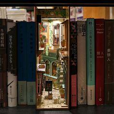 Night Window, Vitrine Miniature, Model Building Kits, Book Nooks, Wooden Diy, Love Book, Diy Kits, Bookshelves, Book Art