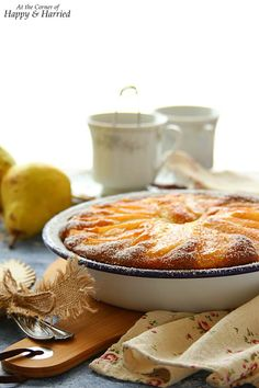 A rustic yogurt cake topped with sweet, soft pears and a dusting of cinnamon sugar is worthy of both your dessert and breakfast tables. Pear Yogurt, Yogurt Cake, Healthy Cake, Healthy Sweets, Pear Dessert, Dessert Recipes, Cake Recipes, Enamel Dishes, Breakfast Tables