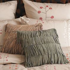 Living Room Inspirations: A Pile of Pillows Helps The Medicine Go Down Pillow Room, Bed Pillows, Pillow Talk, Western Bedding, Western Homes, Western Decor, Textiles, Bedroom Inspo, Living Room Inspiration