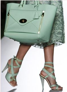 Mulberry 2013 London Fashion Week  | So English indeed! QE3 mint green.