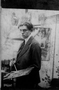 René Magritte at the 'Académie des Beaux-Arts', Brussel, 1918 -nd  from: Patrick Roegiers, Magritte et la photographie, Gand-Amsterdam, Ludion, 2005