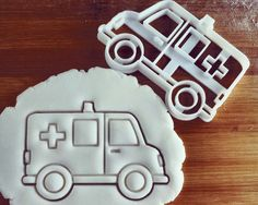 Ambulance cookie cutter biscuit cutters Gifts by on Etsy Paramedic Student, Firefighter Paramedic, Ems Week, Biscuits, Cookie Gifts, Cookie Cutter Set, Student Gifts, Sugar Cookies, Cake Decorating