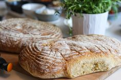 Ett väldigt gott och lättbakat Italienskt lantbröd som får sin speciella smak av durumvete. Blir ett mjukt inkråm med tuggmotstånd och en härlig skorpa på brödet.