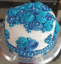 Buttercream Cake, Fondant Cakes, Cupcake Cakes, Pretty Cakes, Beautiful Cakes, Amazing Cakes, Cake Decorating Techniques, Cake Decorating Tips, Bolo Tumblr