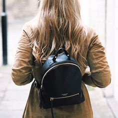 Be oh-so-on-trend with a luxe leather backpack as seen on the wonderful @luciagrace.