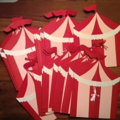 Circus invitations & party pictures!